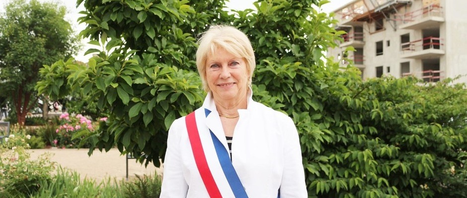 Monique GIRARDON Maire